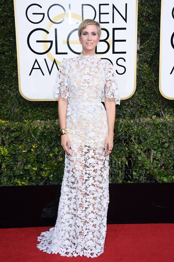 kristen-wiig-golden-globes-red-carpet-2017__opt