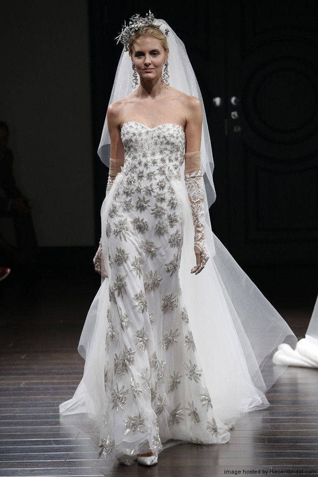 naeem-khan-spring-2016-strapless-sweetheart-beaded-sheath-wedding-gown