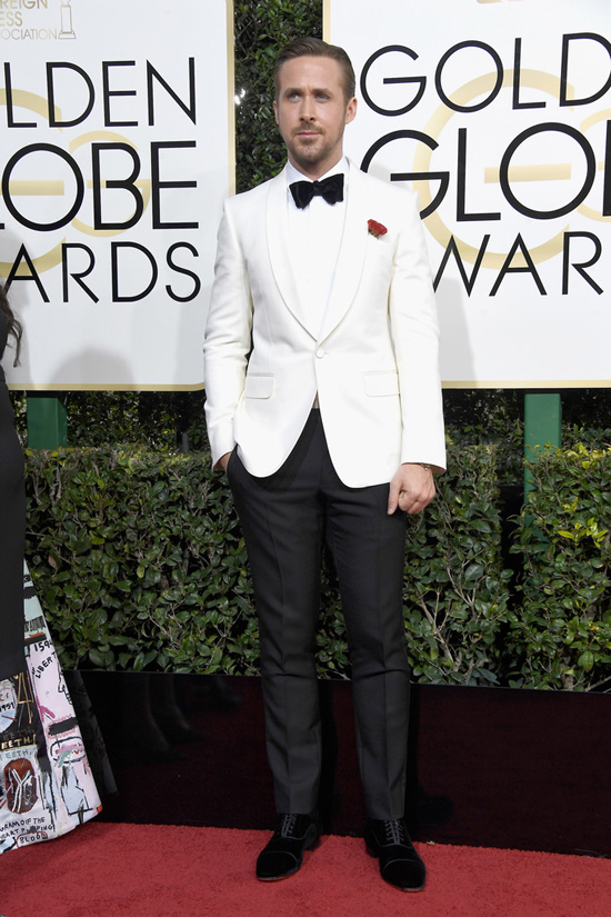 ryan-gosling-la-la-land-2017-golden-globe-awards-red-carpet-fashion-gucci-tom-lorenzo-site-4